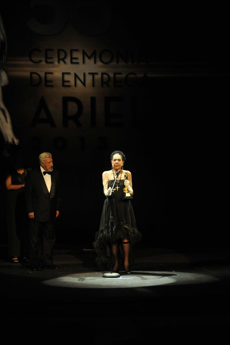 Columba Domínguez-Ariel de Oro, con Ignacio López Tarso:Pedro González