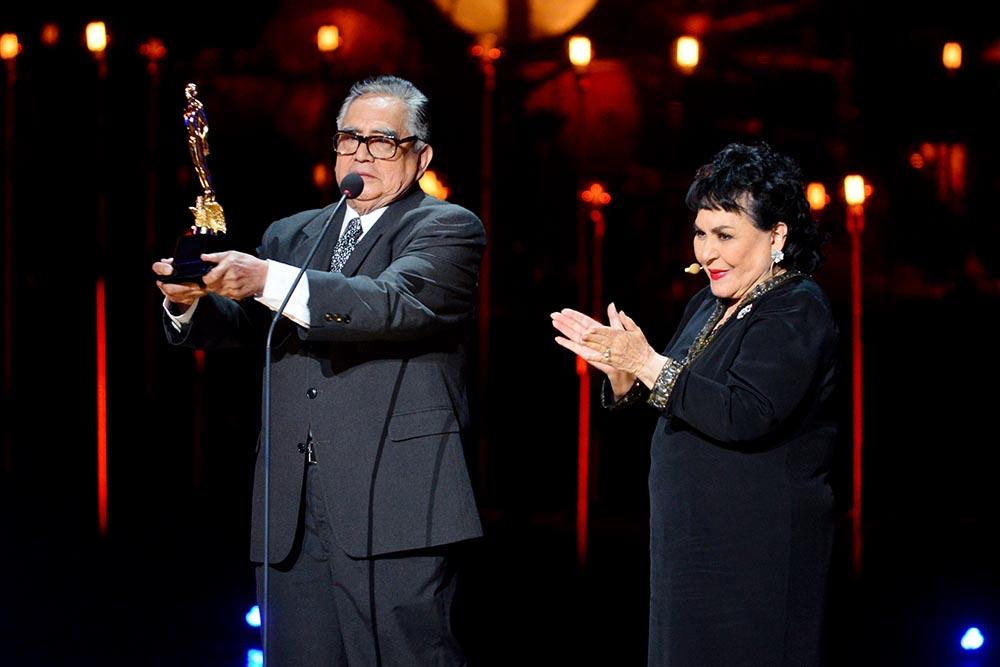 Ernesto Gómez Cruz-Carmen Salinas-Ariel 56-ER